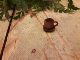 kop en schotel bruin