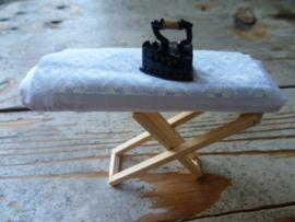strijkplank & strijkbout met stofje voor overtrek