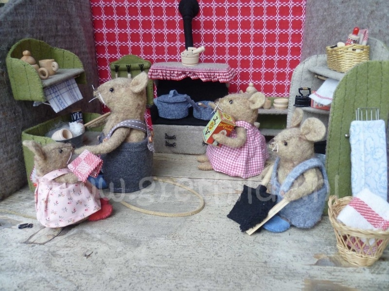 Felt Kit 'the mouse family's kitchen'