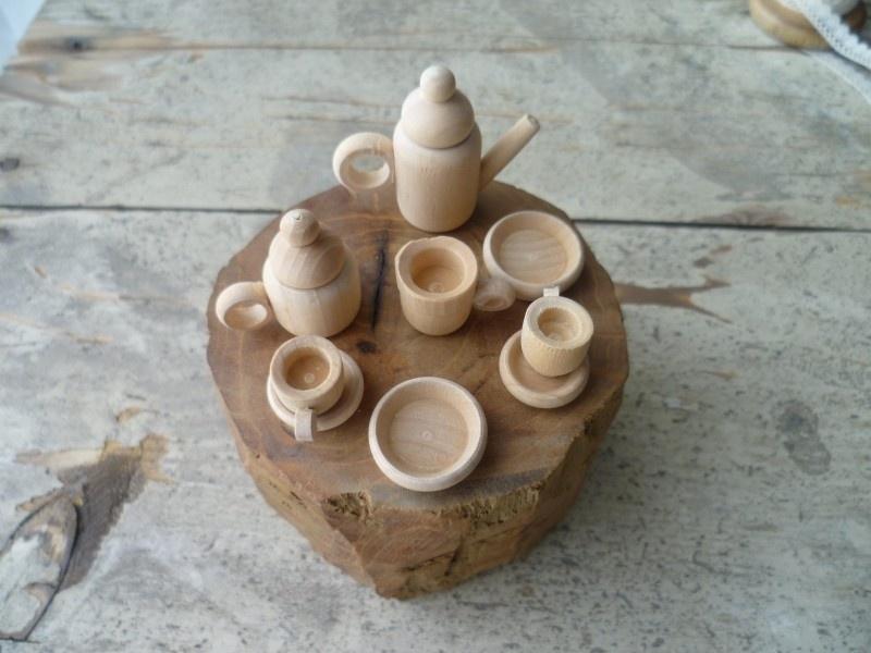 Dinnerware made of wood