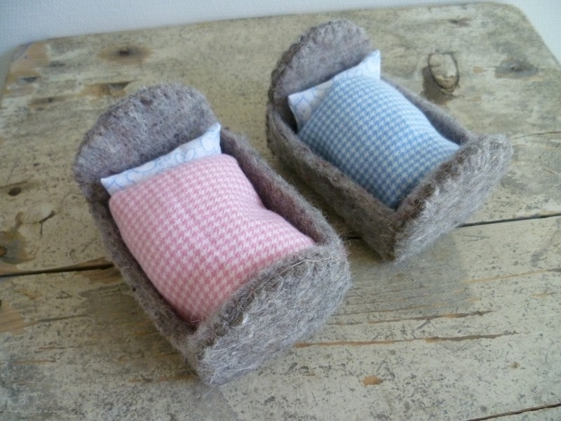 "Felt Kit  ""Two mice cots"" with pattern"