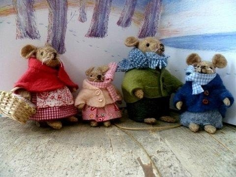 """Pattern """"Jackets and Pajamas for the Mouse family"""""""