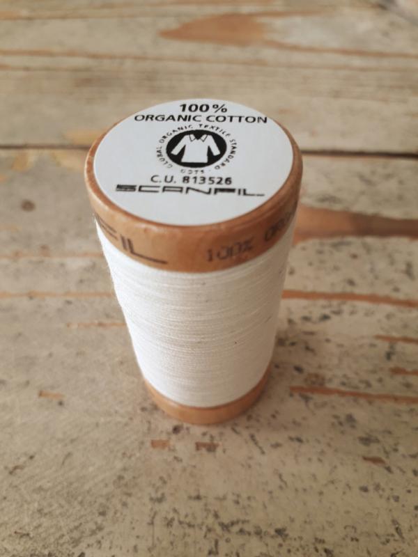 Biologisch katoenen naaigaren gebroken wit