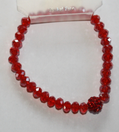Rode facetgeslepen armband met stras accenten