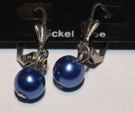 Blauwe parel oorbellen