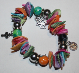 Kleurige schelpen armband
