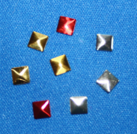 Square 5x5 mm Gold/Silver/Red