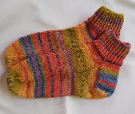 Kleurige Hand gebreide sokken maat 38/39