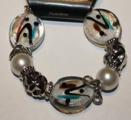 Witte armband met bruin/zwart en aqua accenten