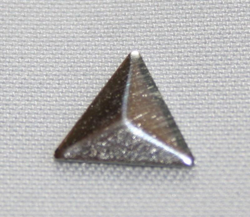 Triangle Silver (8x8 mm)