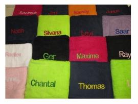 Handdoek Uni met naam (50x100cm)