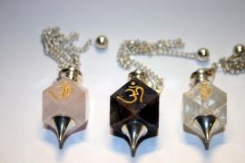 Bergkristal pendel met Ohm