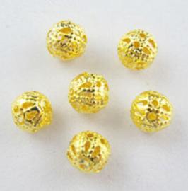 - Goud kleurig