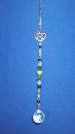 Pentagram met groene kralen