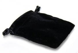 Zwart fluwelen zakje