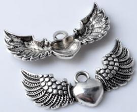 Vleugels met hartje - middel