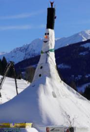 <<<04-09-2020>>> Grootste sneeuwman ter wereld