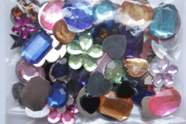 Strasstenen gekleurd assorti 5 tot 14 mm zakje à 150 stuks