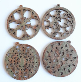 Made of Wood ornament van triplex assorti Ø 5 cm 8 stuks dikte 2 mm