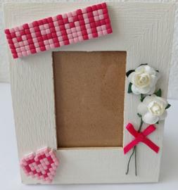 Houten fotolijstje versierd met Pixelhobby en bloemen 9 x 11 cm