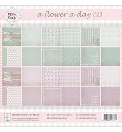 Rosa Dotje a Flower a Day (2) 8349 24 x dubbelzijdig 15,2 x 15,2 cm