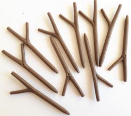 Gewei van hard plastic bruin 10 stuks lang 7,3 cm dikte 4 mm