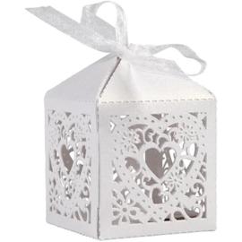 Decoratieve doos harten wit 5,3 x 5,3 x 8 cm 12 stuks