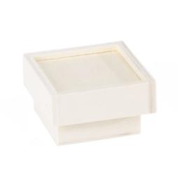 Houten doosje met opstaande rand op de deksel 5 x 5 x 2,8 cm