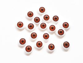 Witte plastic ovale ogen met bruine pupillen 18 stuks 1,6 x 1,7 cm