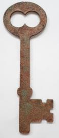 MDF sleutel bewerkt met Trenddekor Rost (roest effekt) 5,6 x 17 cm