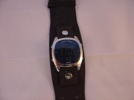 KA:OZ  digitaal chroom herenhorloge.