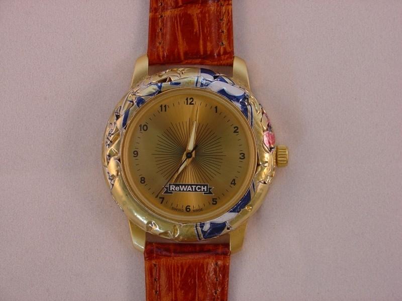 ReWATCH horloge met bruine band.