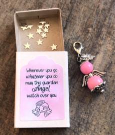 Geluksengeltje los, roze, verpakt in doosje met tekst