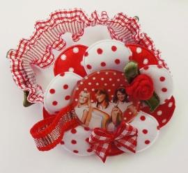 Elastisch armbandje rood met die leuke Belgische meiden!