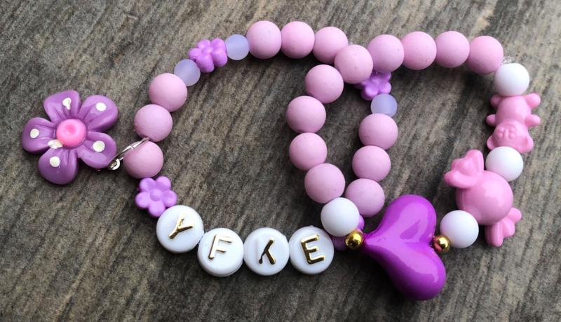 Kralenpakketje lila/paars met naam