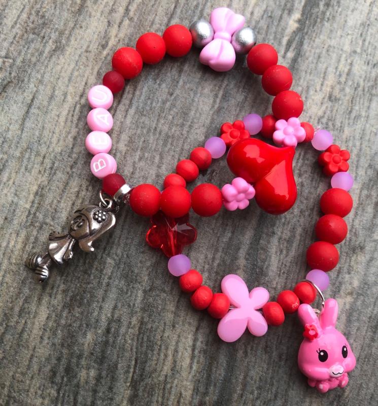 Kralenpakketje rood/roze met naam