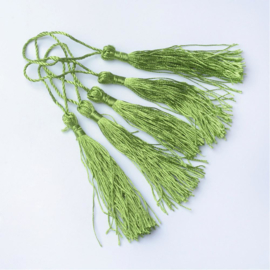 Satijn kwast lengte kwast 9 cm incl. lus 130 x 6mm olive drab