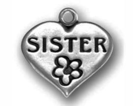 4 x prachtige Tibetaans zilveren bedel van een hartje met sister (zuster) 18mm  x 17mm x 2mm gat: 3mm