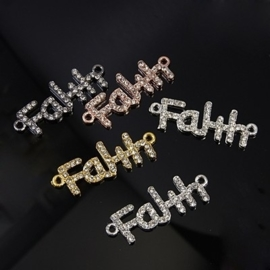 Schitterende tussenzetsel Faith (vertrouwen) met strass, 5 verschillende kleuren 38 x 14 x 3mm, gat: 2mm