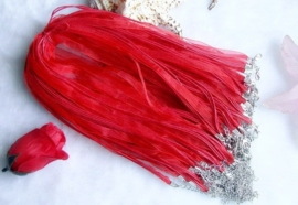 Koord ketting van organza lint en waxkoord c.a. 50cm rood