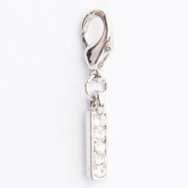 Be Charmed letter I bedel met karabijnsluiting zilver met een rhodium laag (nikkelvrij)