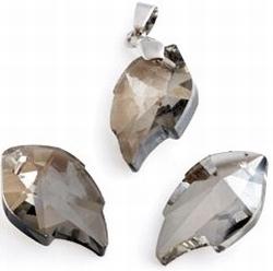 Per stuk Facet Kristal hanger Blaadje Black Diamond 25 mm