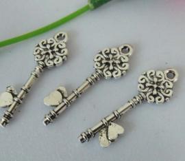 4 x Tibetaans zilveren sleutel 35 x 12mm