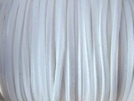 2 meter Faux suède veter  breed  3mm kleur: wit