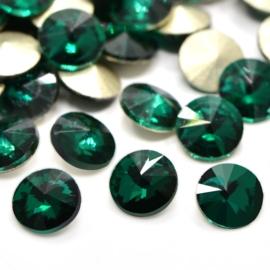 5 x Puntsteen half rond Preciosa voor Puntsteen SS39 Setting c.a. 8 x 3,5mm Emerald