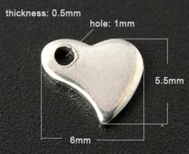 10 stuks RVS blanco kleine bedeltjes hartje Platinum kleur 6 x 5,5 x 0,5mm gat: 1mm