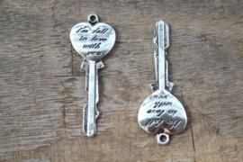 2 x Tibetaans zilveren sleutel antique zilver kleur 55 x 20mm, gat: c.a. 2mm