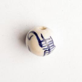 5 x keramiek kraal  blauw wit 12 x 12 mm gat: 1,5mm