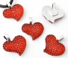 Per stuk Metallook hanger hart met rode kunststof 21 mm