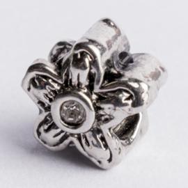 Be Charmed kraal zilver met een rhodium laag (nikkelvrij) c.a.10x 10mm groot gat: 4mm